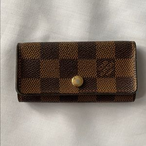 Authentic Louis Vuitton Damier 4 Key Holder Case